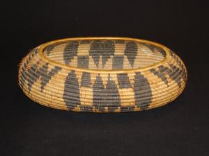 Pomo oval bowl