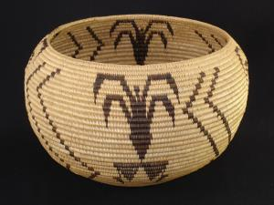 A Large Washoe degikup basket