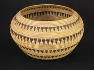 A Large and very fine Piaute basket